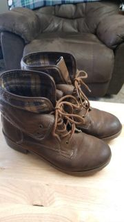 Rock and Candy Sprancie lace up booties. Womens size 9