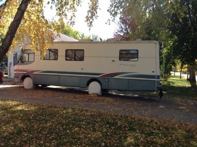 1993 Holiday Rambler® Endeavor® 32-ft Class A RV Sleeps 6,