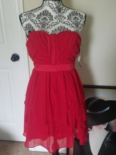 New with tags Junior's XOXO strapless layered mini dress red size 3/4
