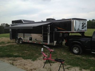 Horse Trailer with living