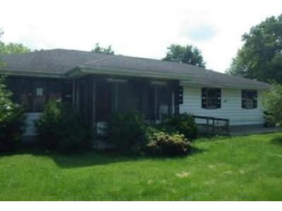 3 Bed 1.5 Bath Foreclosure Property in Muncie, IN 47302 - W 30th St