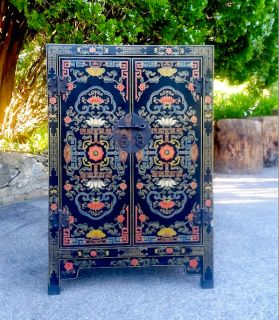 1960s Hand Painted & 'Japanned' Chinese Cabinet