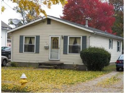3 Bed 1.0 Bath Preforeclosure Property in Akron, OH 44312 - High Grove Blvd