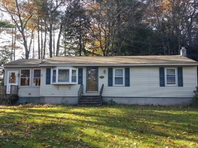 3 Bed 1.0 Bath Preforeclosure Property in Athol, MA 01331 - Froman St