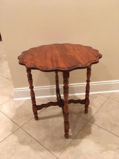 Antique Scalloped Edge Round Side Table