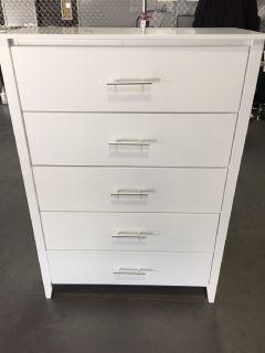 Dresser- White