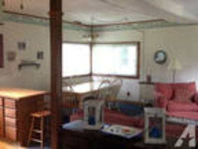 $1550 / 2 BR - 1200ft - Europe Beach Bungalow