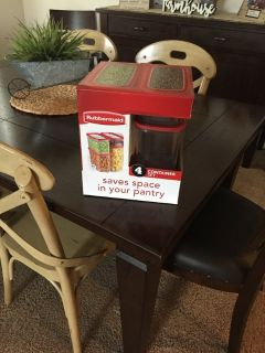 Rubbermaid 4 pc set new and very heavy duty
