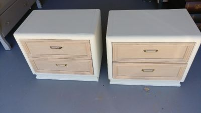 Thomasville set of 2 End Tables. Freshly Painted. 26x16x23