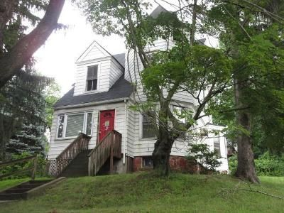 4 Bed 2 Bath Foreclosure Property in Congers, NY 10920 - Vermont Ave