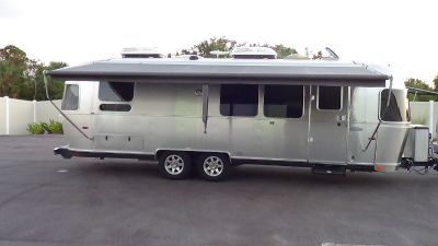 2015 Airstream FLYING CLOUD 28