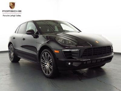 2018 Porsche Macan (Black)