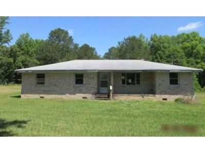 3 Bed 2.5 Bath Foreclosure Property in Four Oaks, NC 27524 - Lakewood Rd