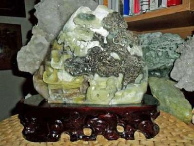Beautiful 100% Natural DuShan Jade Handwork Carved Statue Mountain Water Scenery