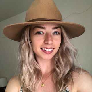 Carlie P is looking for a New Roommate in Los Angeles with a budget of $1000.00