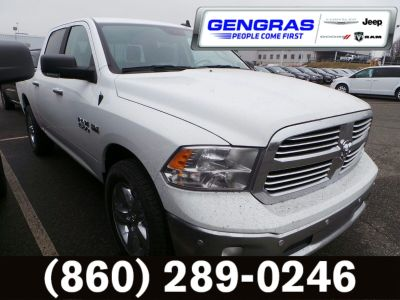 2018 RAM 1500 BIG HORN CREW CAB 4X4 5'7 BOX (Bright White Clearcoat)