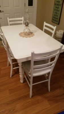 Antique Painted White Table w/chairs