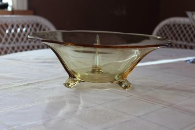 Vintage Fostoria depression glass bowl