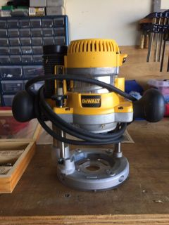 12 Amp 2.25 HP Foxed and plunge base corded router kit