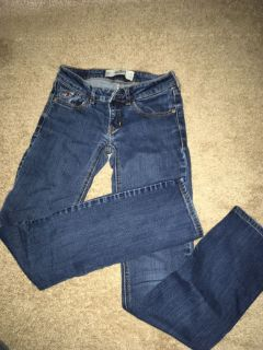 Hollister skinny jeans, stretchy material size 00S w23 L31