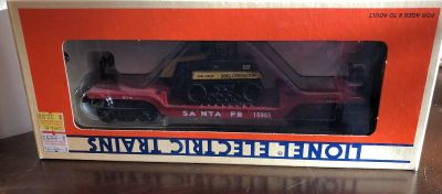 Lionel Trains AT & SF Flatcar with ERTL Challenger 6-16955