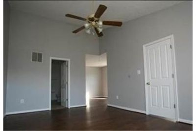 Spacious 3 bedroom 2 1/2 bath end town home within 2 miles of Ft.
