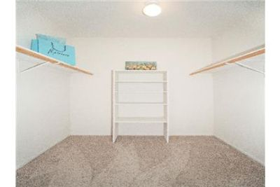 2 bedrooms Apartment - Located in the heart of the Palm Desert. Pet OK!