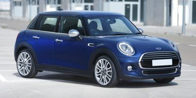 2015 MINI Cooper Hardtop 4 Door 4dr HB (Blazing Red Metallic)