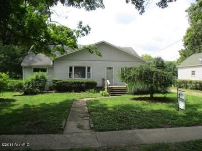 3 Bed 2 Bath Foreclosure Property in Union City, MI 49094 - S Park St