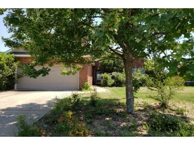 3 Bed 2.0 Bath Preforeclosure Property in Byron, GA 31008 - Amber Dr