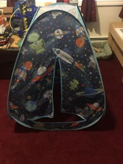 Pop up play tent