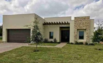 8910 Stream Ln Laredo, Custom Built home consisting of 3
