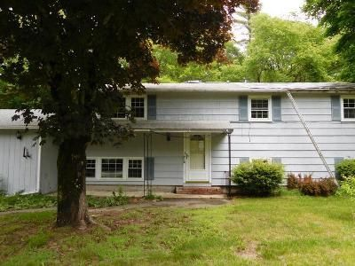 4 Bed 2 Bath Foreclosure Property in Pembroke, MA 02359 - Fairwood Dr