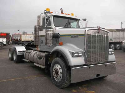 2011 Kenworth W900b