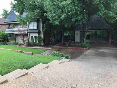 11601 Blue Creek Drive ALEDO Three BR, Fabulously maintained