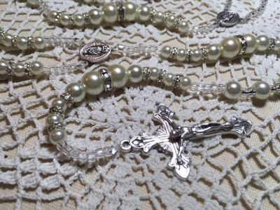 Lasso Wedding Rosary Ivory Pearls with Swarovski Crystal Accents Our Lady of Guadalupe Medals It...