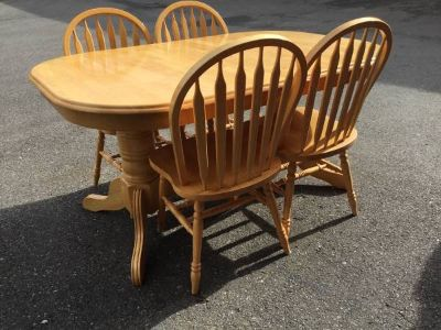 Country Dining Table and Four Chairs - Delivery And Financing* Availab