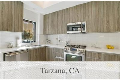 Townhome overlooking the pool. Will Consider!