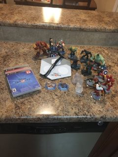 Disney infinity (2.0 and 3.0 editions) with 13 characters