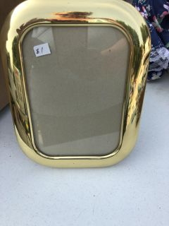 Picture frame gold