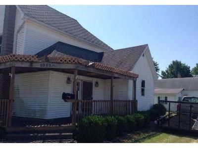 5 Bed 2 Bath Foreclosure Property in Clay City, IN 47841 - White St