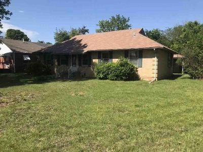 3 Bed 2 Bath Foreclosure Property in Miami, OK 74354 - E St NW