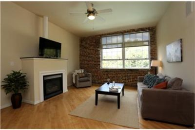 1BR Downtown - All Utilities & Parking Included!