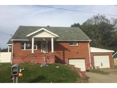 4 Bed 2.5 Bath Preforeclosure Property in Follansbee, WV 26037 - Randall Ave