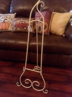 NWT 40 inch easel. Great for weddings