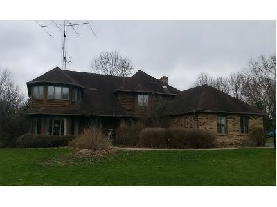 4 Bed 1.5 Bath Foreclosure Property in Saint Charles, IL 60175 - Old Homestead Road