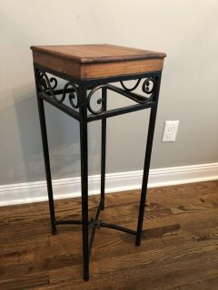 Small wood and metal side table. $10.