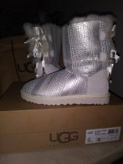 new UGG's size 5