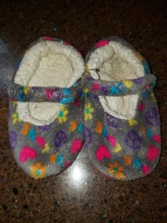 Slippers 1/2