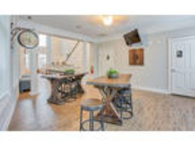 Worthington Apartments - Two BR, 2.5 BA 1,382 sq. ft. (Notting Hill II)